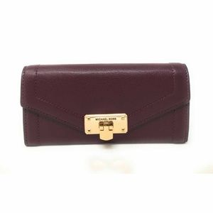 Michael Kors Kinsley Large Carryall Clutch Wallet